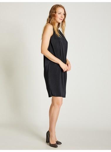 Vekem-Limited Edition Piliseli Rahat Kesim Elbise Siyah